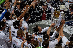 Real Madrid players lift trophy after winning 2014 Champions League
