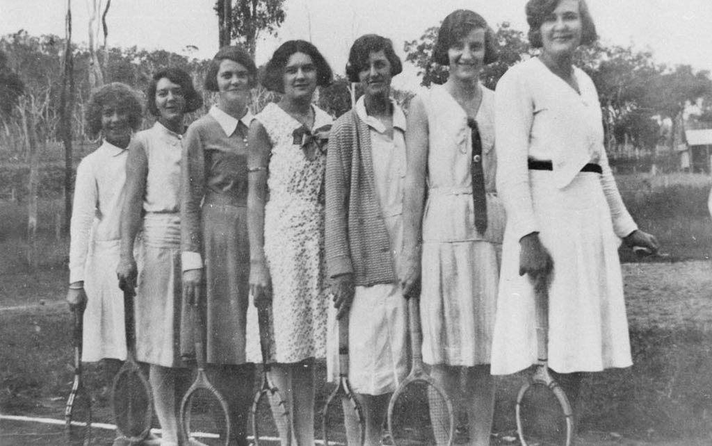 1930s women tennis fashion